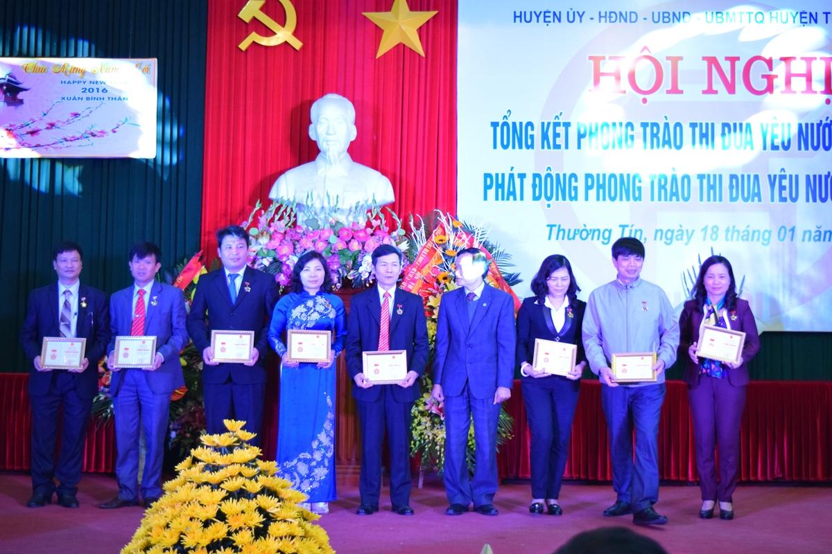 Ha Noi - Huyen thuong tin tong ket phong trao thi dua yeu nuoc 2015 - 5