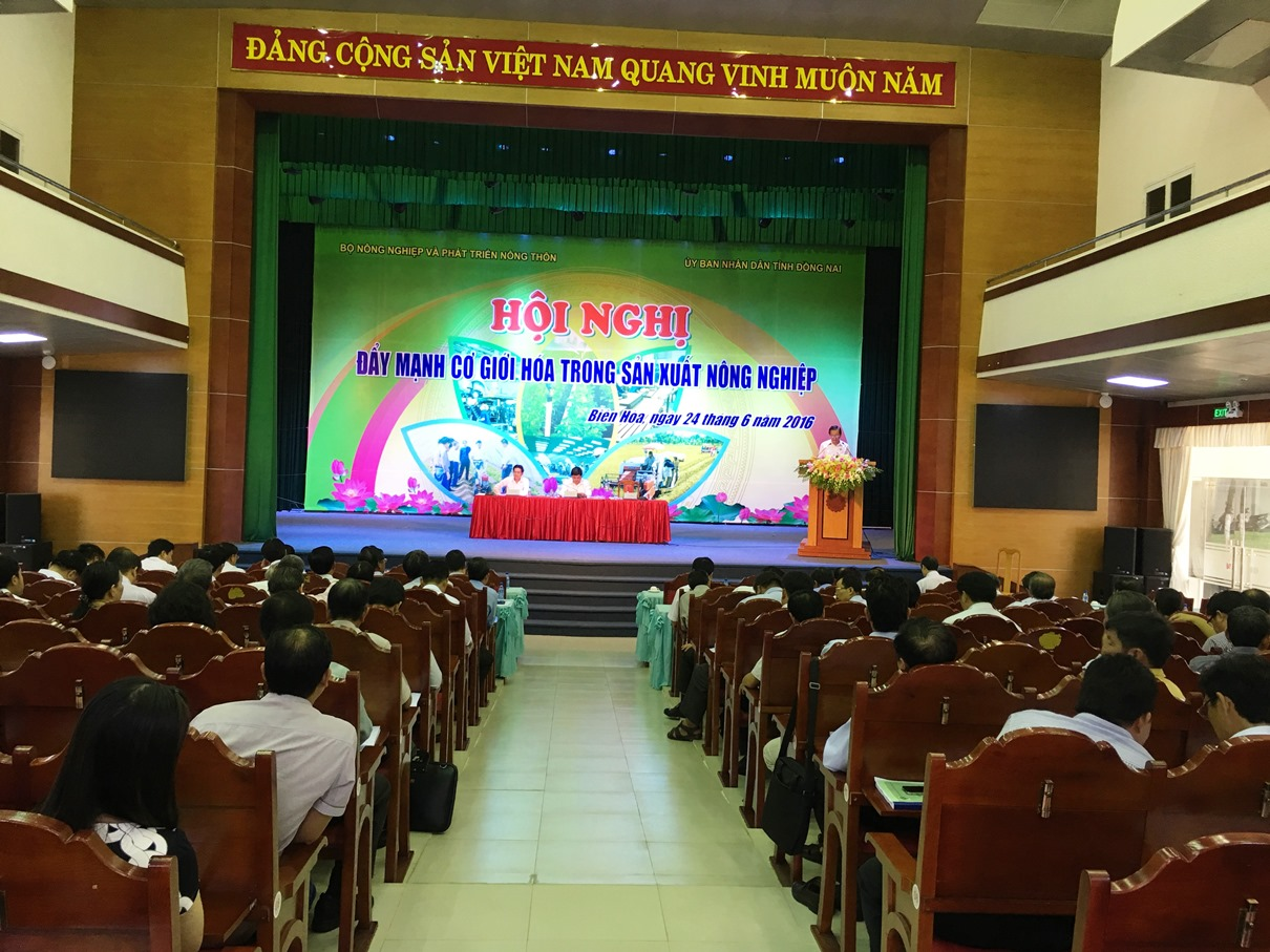 Hoi nghi day manh co gioi hoa nong nghiep 2016 - Dong Nai -1
